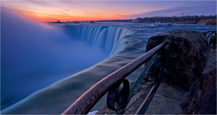 Niagara Dawn