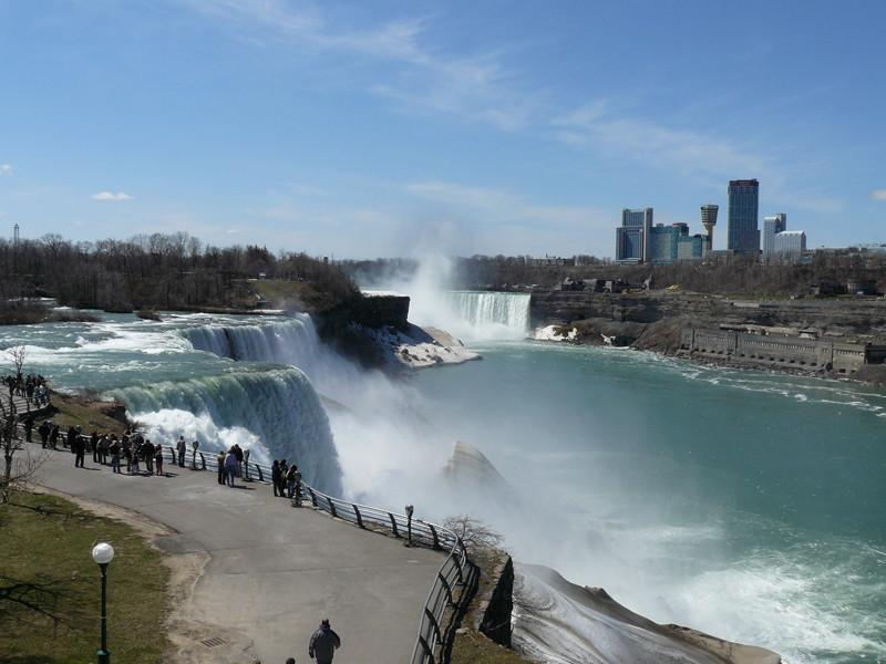 -Niagarafälle-