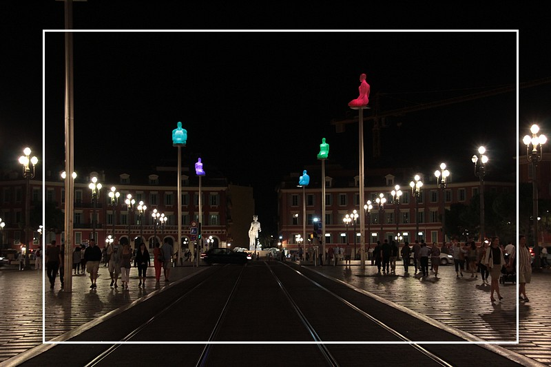 nice la nuit place massena photo et image europe france provence alpes c te d 39 azur images. Black Bedroom Furniture Sets. Home Design Ideas