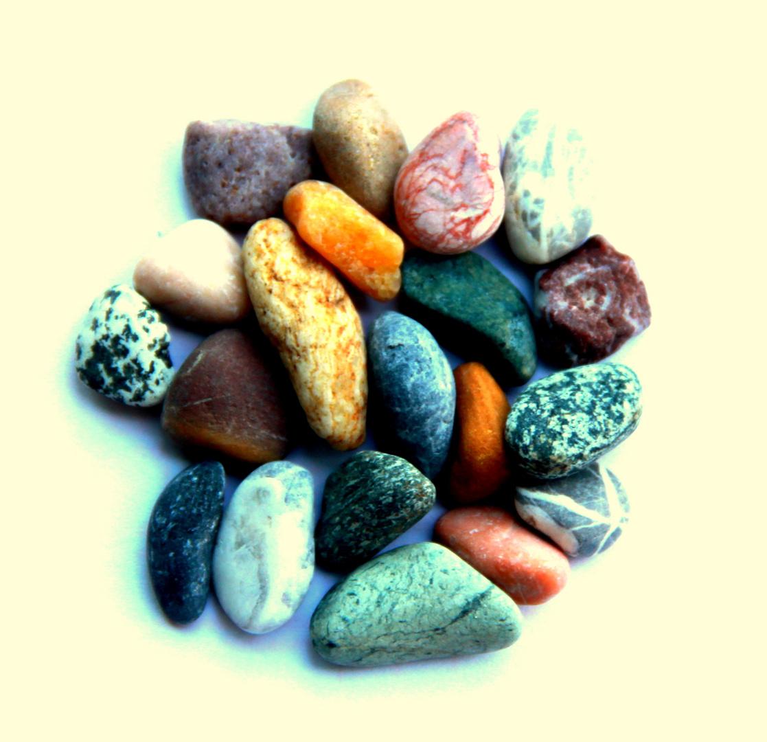 nicht alle steine sind grau foto bild sonstiges steine mineralien natur bilder auf. Black Bedroom Furniture Sets. Home Design Ideas