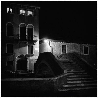 Nicht alle Venezianer gehen früh schlafen ...