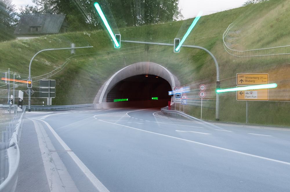 Nicht zu schnell durch den Tunnel ...
