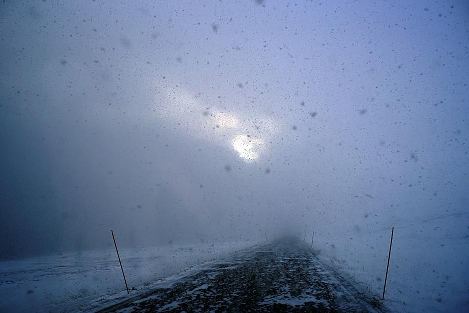 Nichts geht mehr- gestrandet / Unterwegs zum Nordkapp im Winter – Der grosse Wintersturm kündigt....