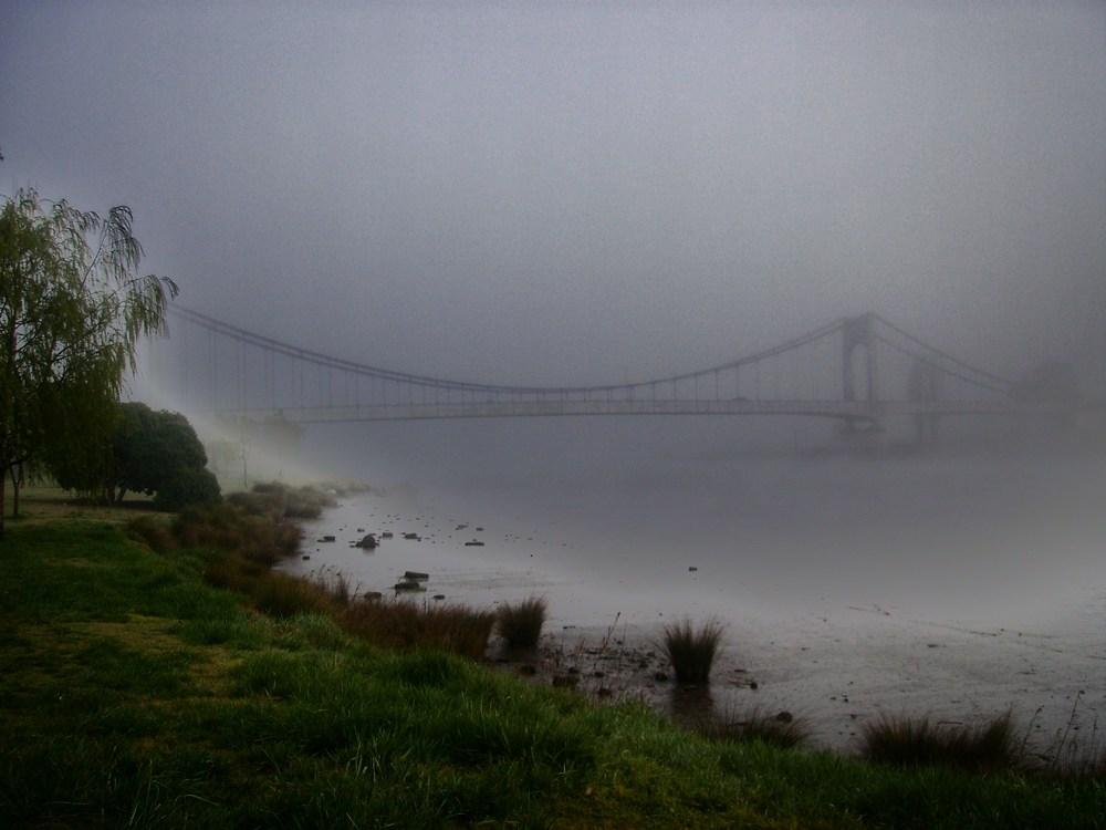 niebla,sobre el rio