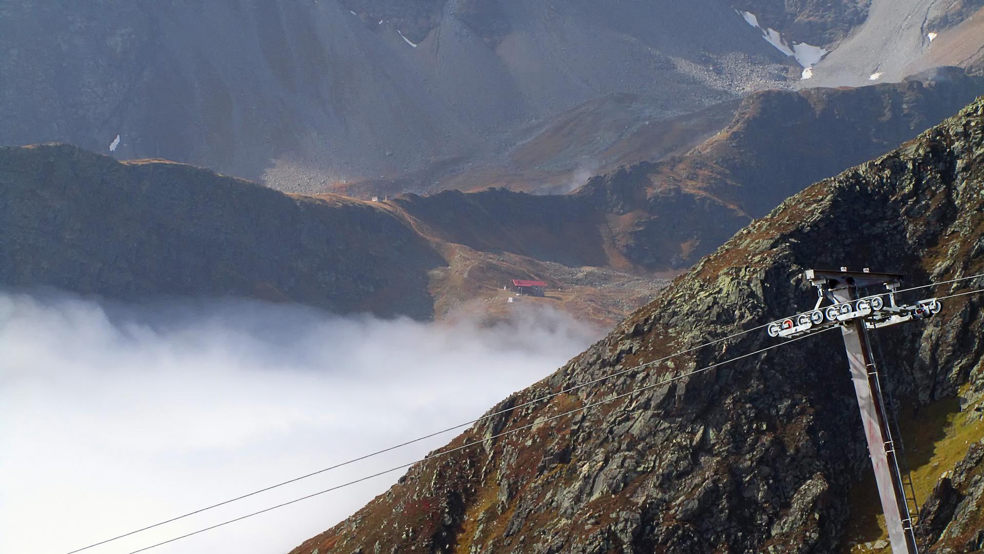 Niederelbehütte über den Wolken