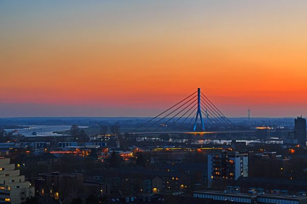 Niederrheinbrücke vom Wasserturm aus gesehen