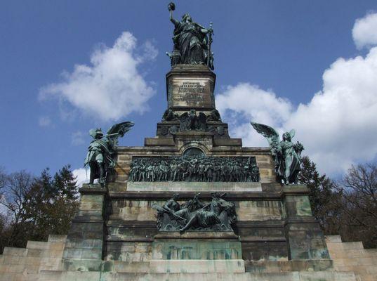 Niederwalddenkmal oberhalb von Rüdesheim