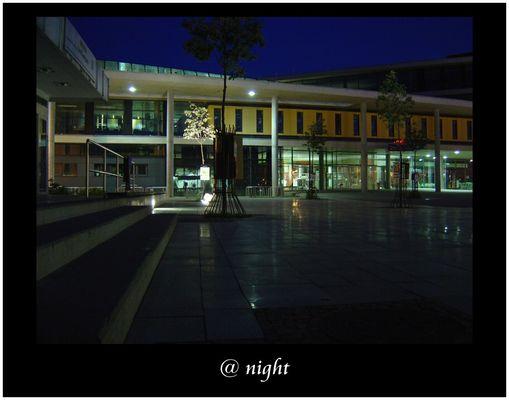 @ night (Bibliothek der Universität Magdeburg)