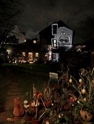 ... night light, Innenhof