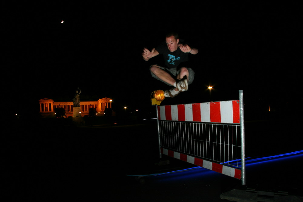 Night-Light-Longboarding