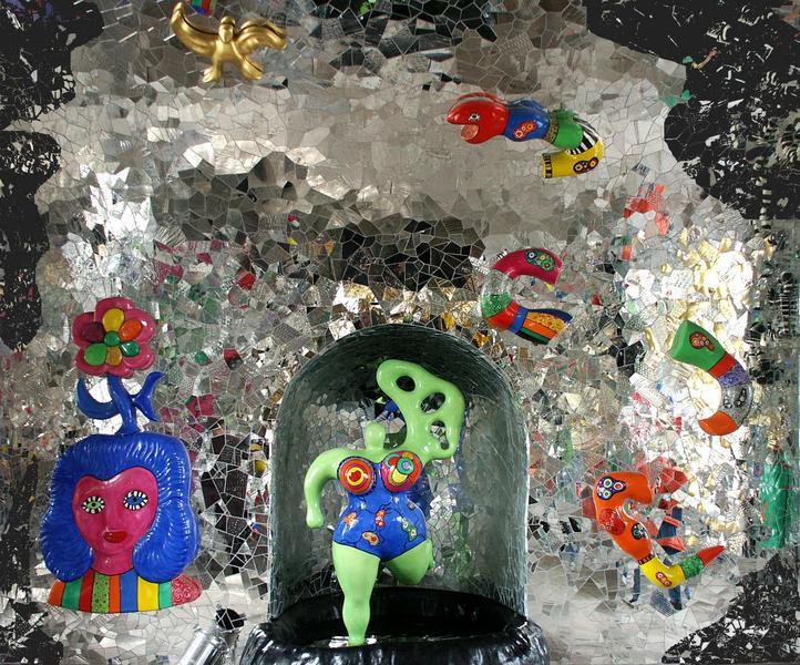 Niki de Saint Phalle Grotte