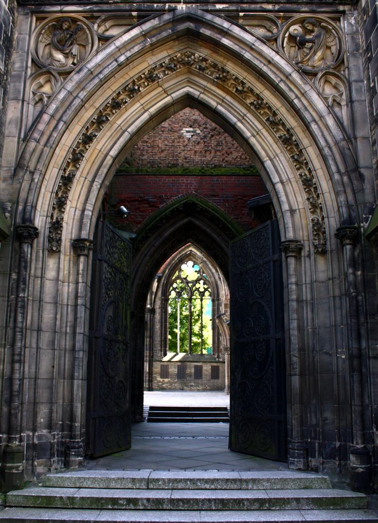 Nikolai Kirche in Hamburg - Einsichten