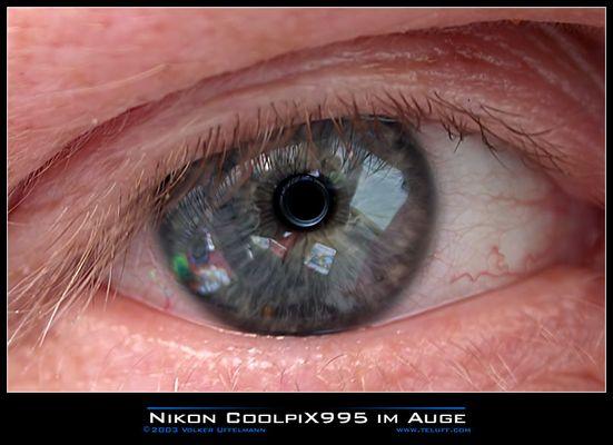 Nikon CoolpiX 995 im Auge