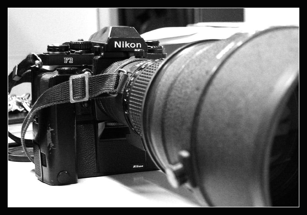 ~~ Nikon F3 ~~