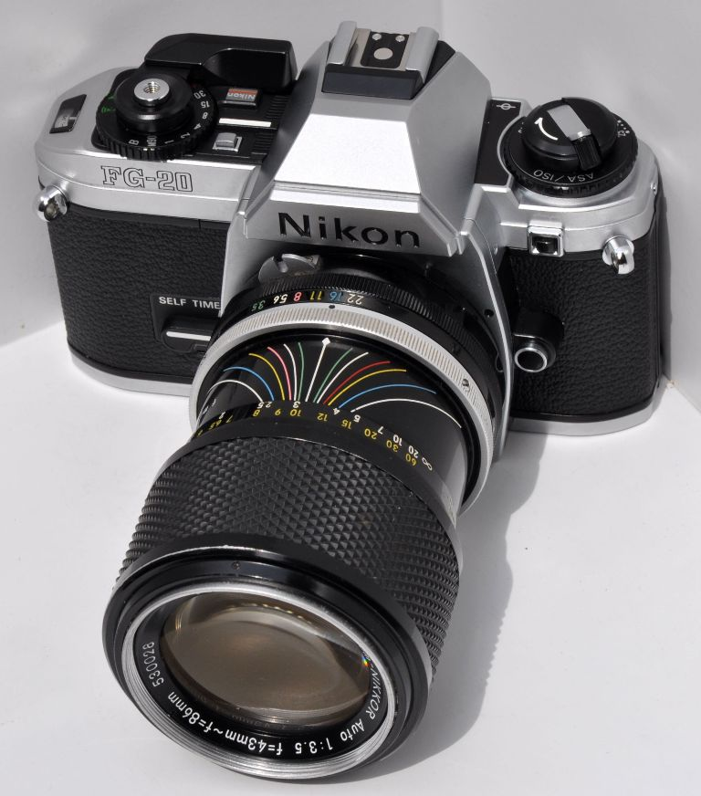Nikon FG 20