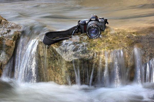 Nikon Kamera im Wasser