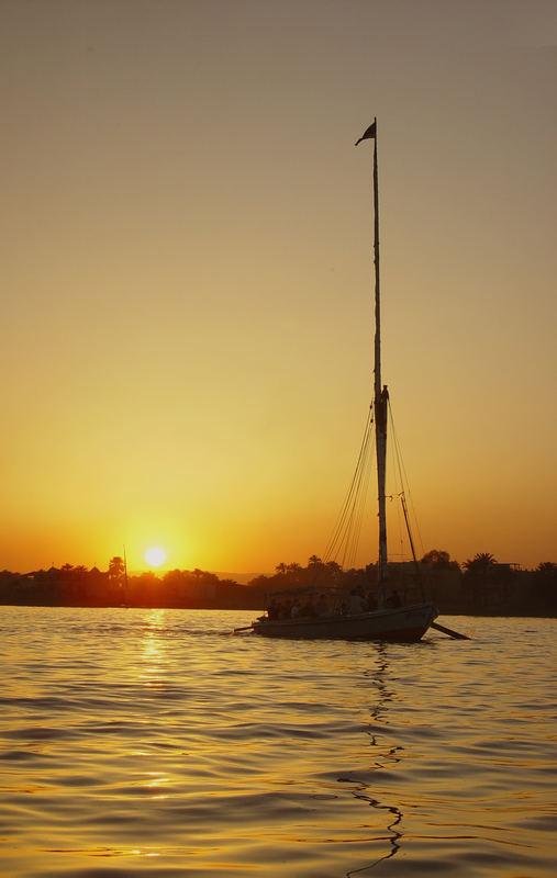 Nil und Sonnenuntergang