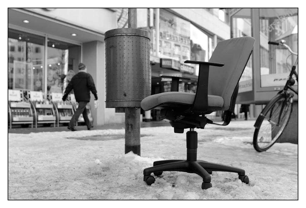 Nimm Deinen Stuhl......