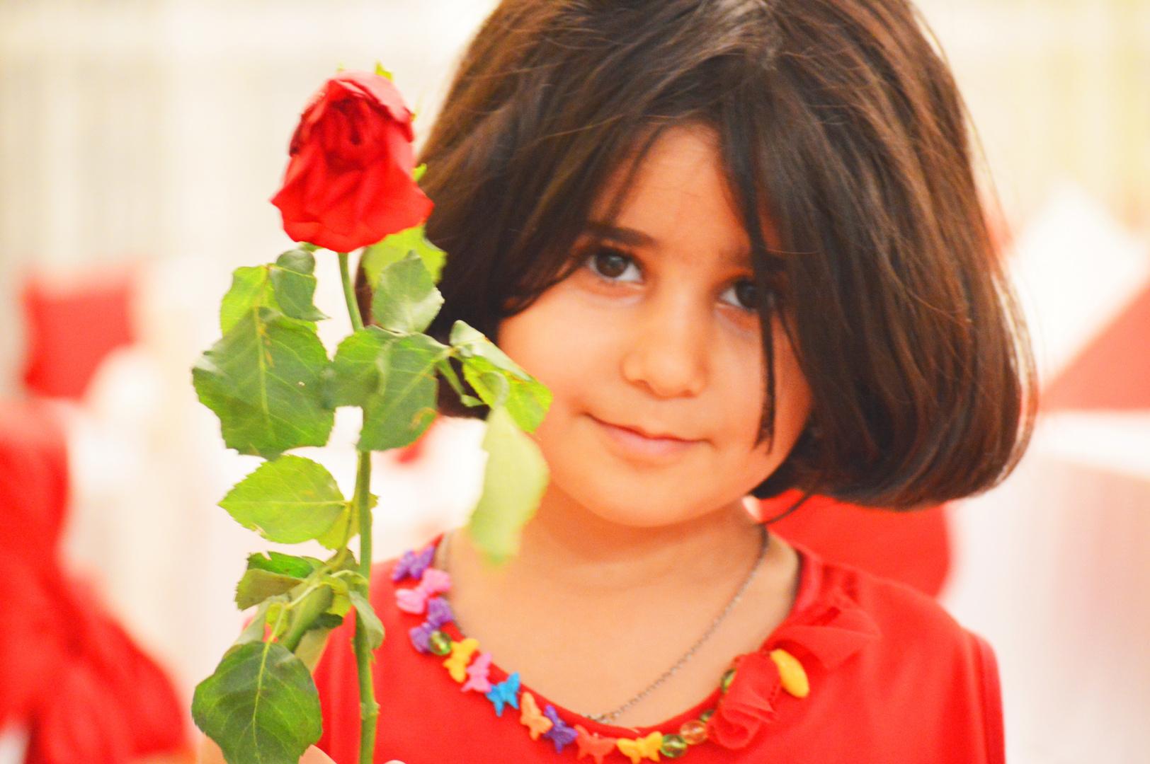 Nisrin - die wilde Rose (persisch/kurdisch)