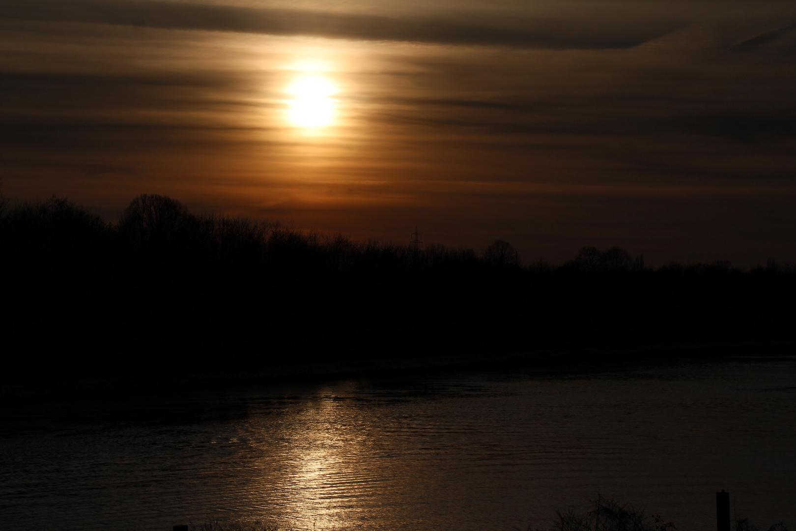 Nix Malediven-Rhein Herne Kanal :-)