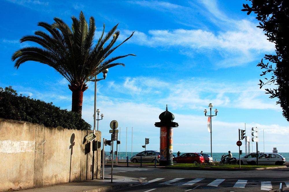 Nizza - 03. Dezember 2005 - Strassenecke