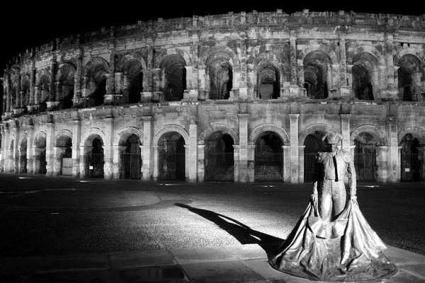 Nîmes By Night