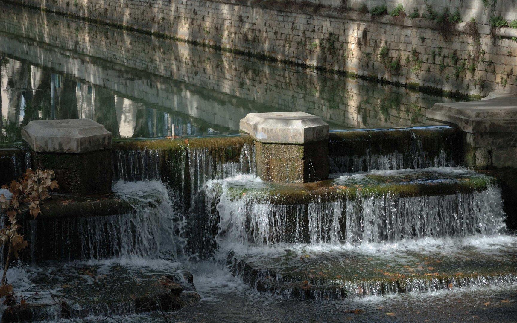 Nîmes, jeu d'eaux