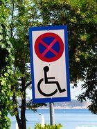 No Parking with Rollstuhl ;-))