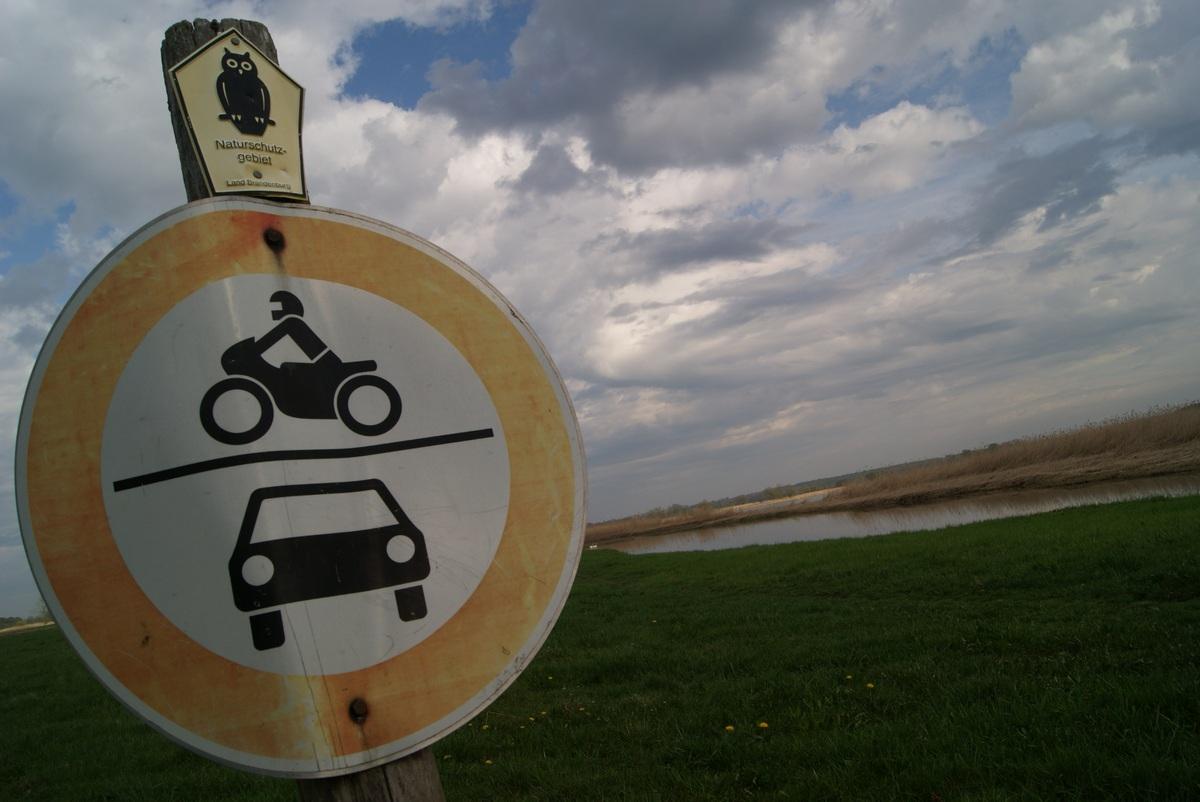 No tresspassing for vehicles