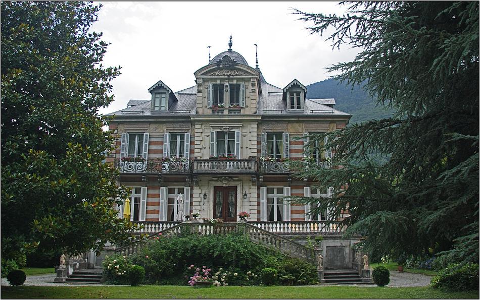Noble Bäderarchitektur in Luchon