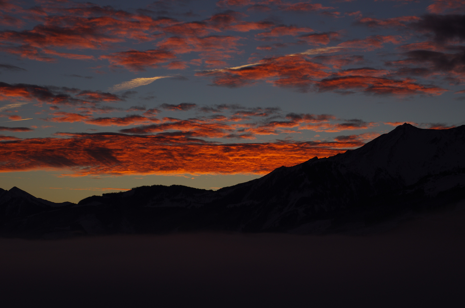 noch ein Sonnenaufgang in den Bergen