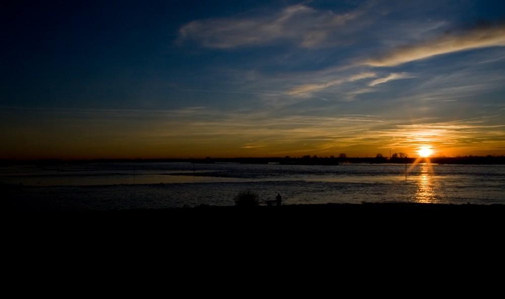 Noch ein Sonneuntergang am Rhein