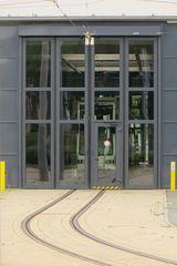 Noch hinter Gittern ..die neue 6NGTW für Plauen