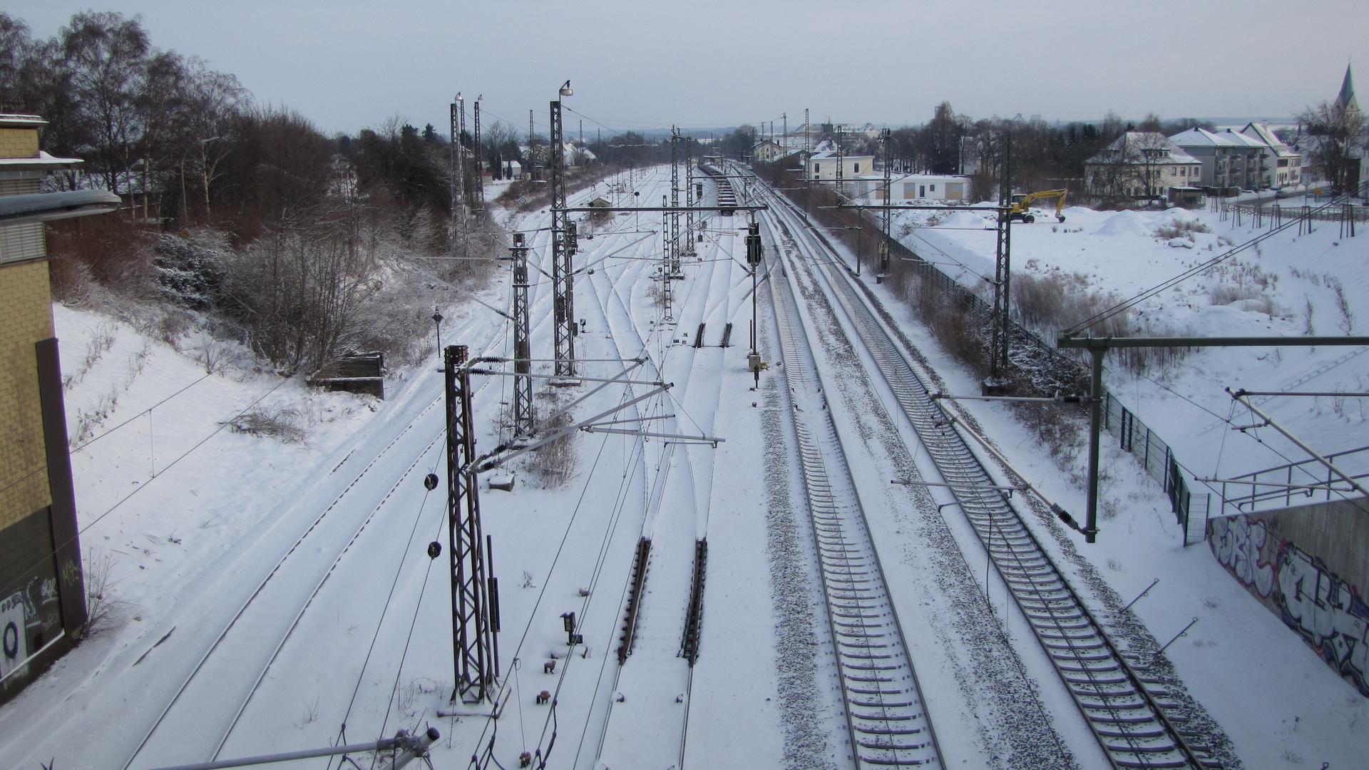 noch liegen die vielen Gleise im Bahnhof Geseke