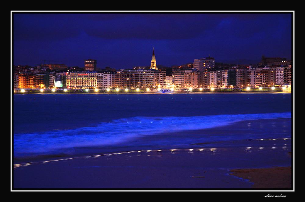 Noche Azul-Donostia