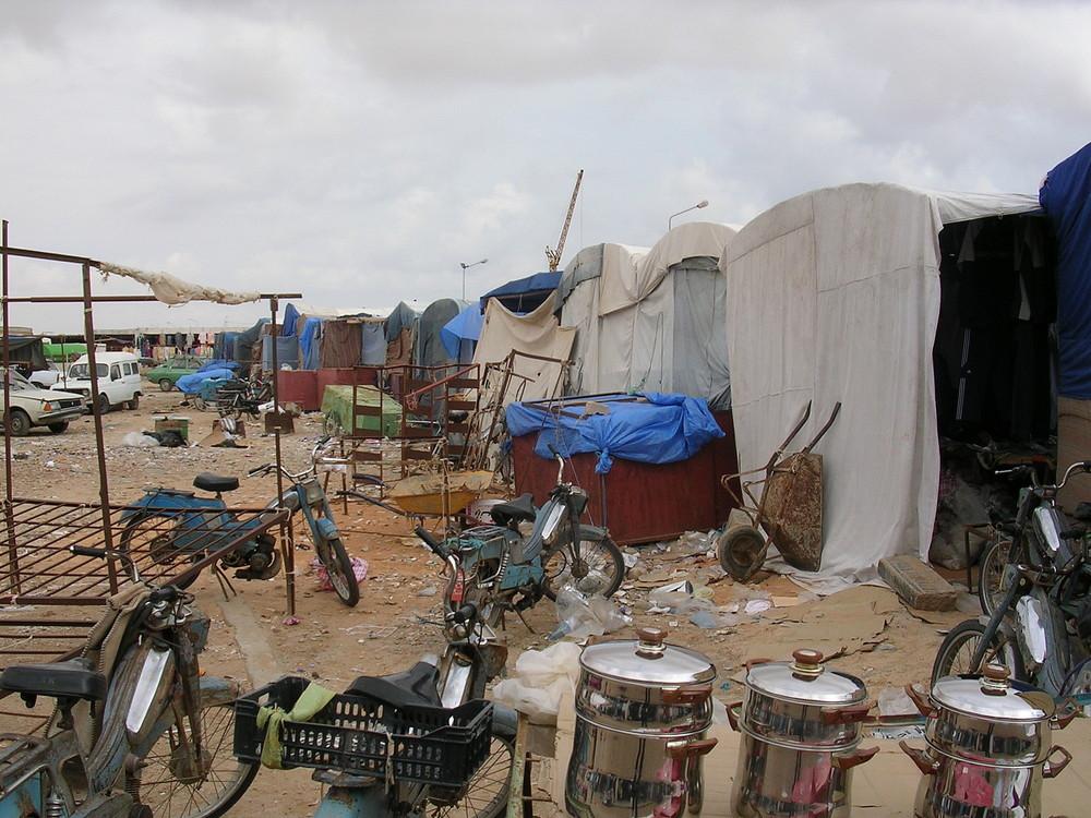 nochmal armes Land-auf dem Markt Nähe Libyen