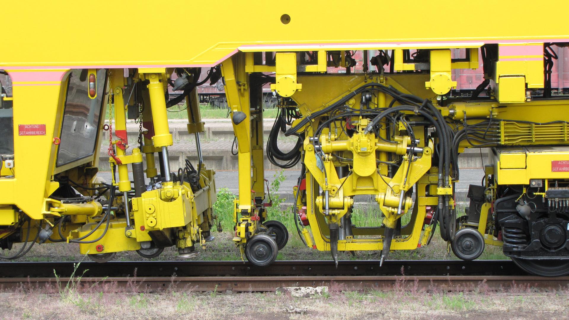Nochmals zur Gleisstopfmaschine