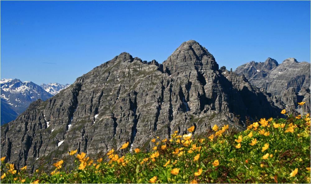 Nockspitz, Gipfelblick mit Ampferstein und Marchreisenspitz