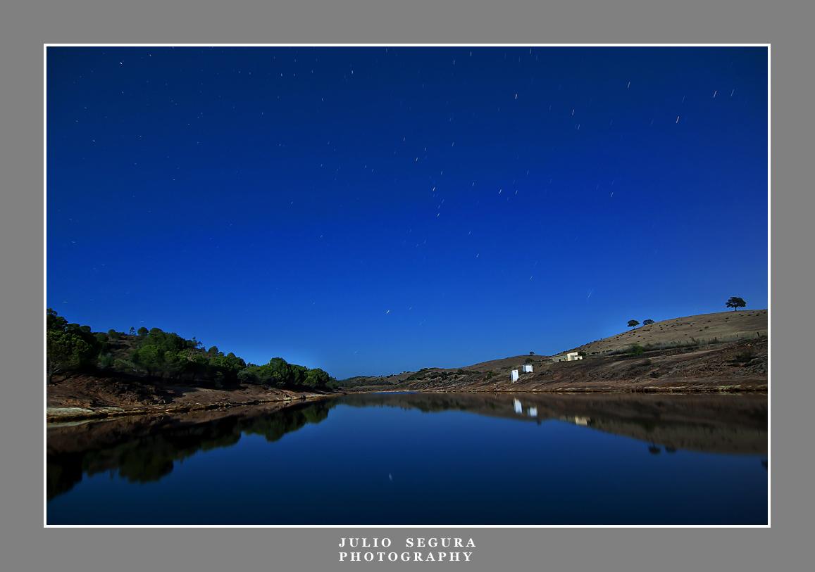 Nocturno con media Luna 2012