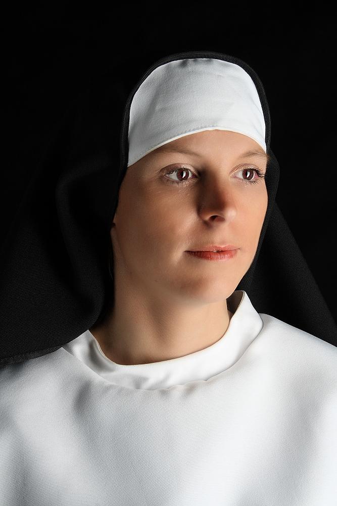 Nonne Foto & Bild | portrait, portrait frauen, studio
