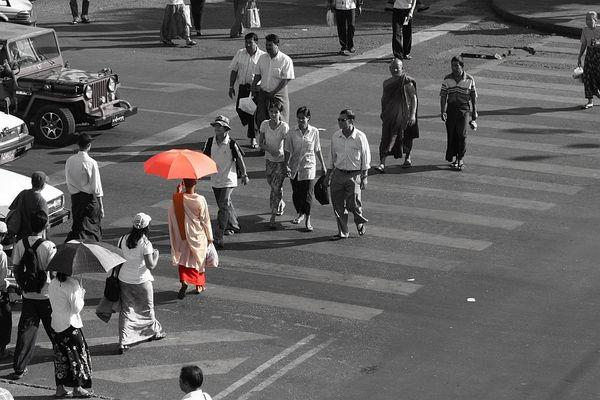 Nonne in Rangoon
