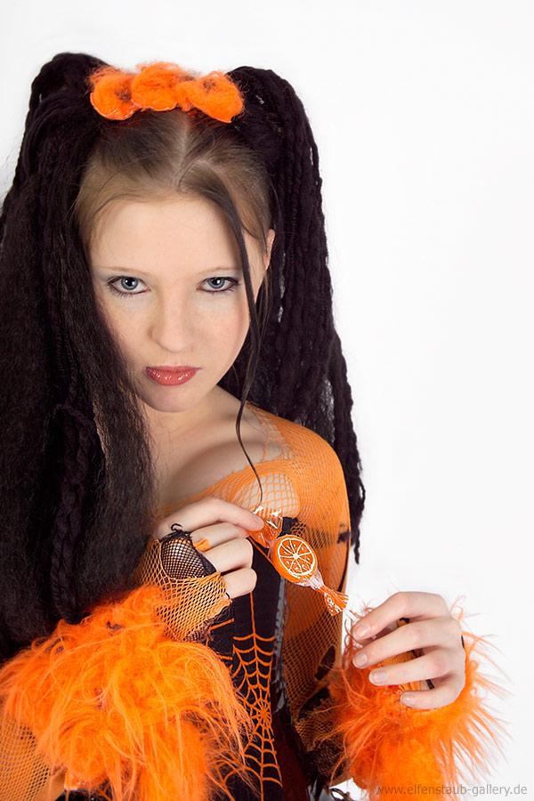 Nora orange.. ;o)