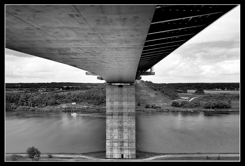 Nord-Ostsee-Kanal-Brücke_sw (A23)