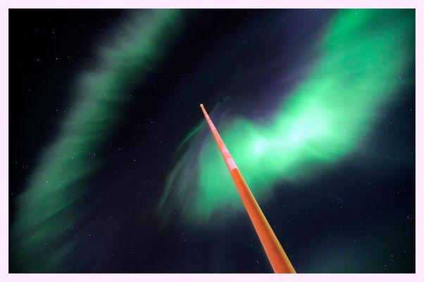 Nordlicht am Flaggenmast
