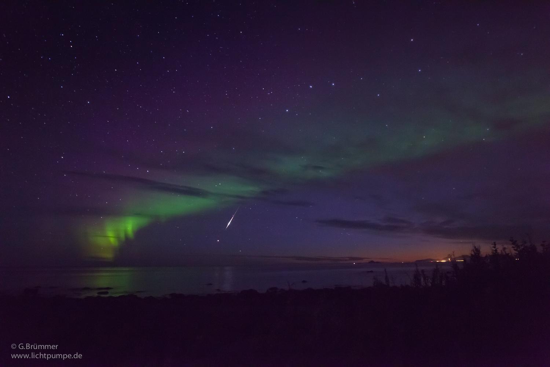 Nordlicht mit Meteorit