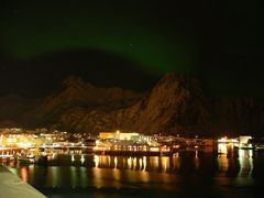 Nordlicht über Stamsund (Lofoten, Nordnorwegen)