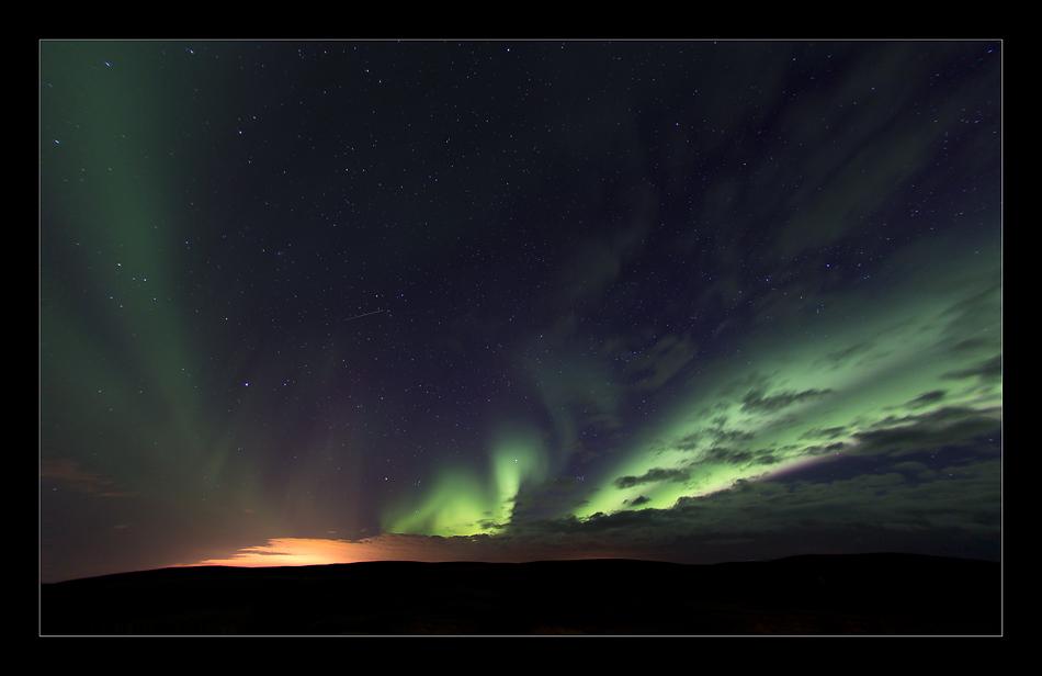 Northern Light mit Sternschnuppe - IS 2013 #19