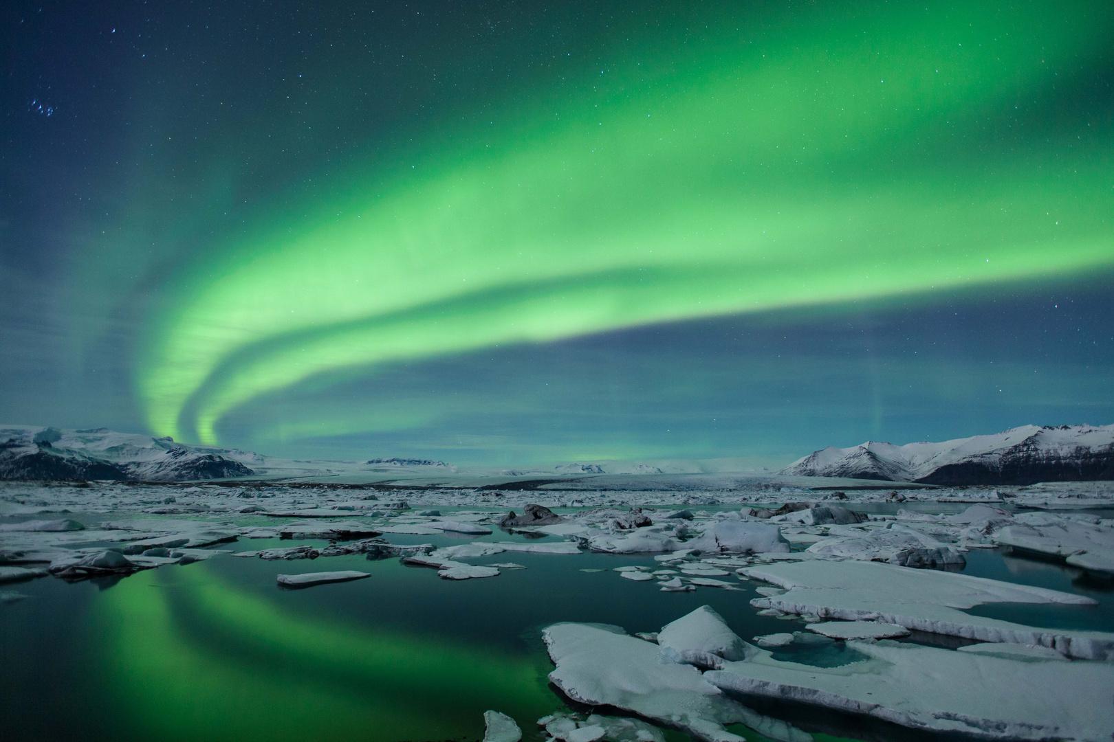 Northern Lights at Jokulsarlon Gletscher