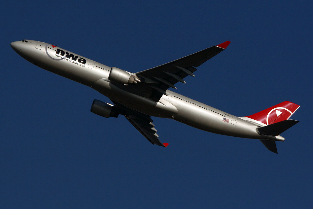 Northwest Airlines Airbus A330-323X (N804NW)