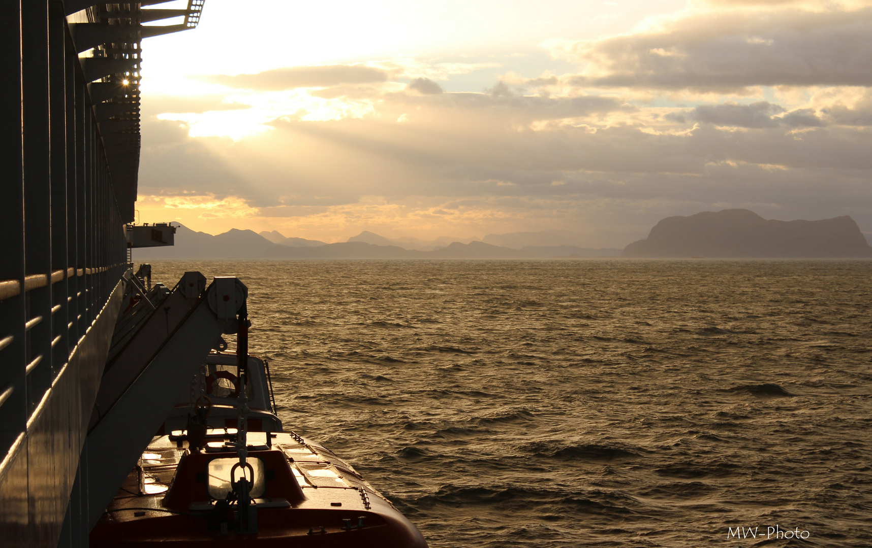 Norwegen_Fjorde, Morgendämmerung